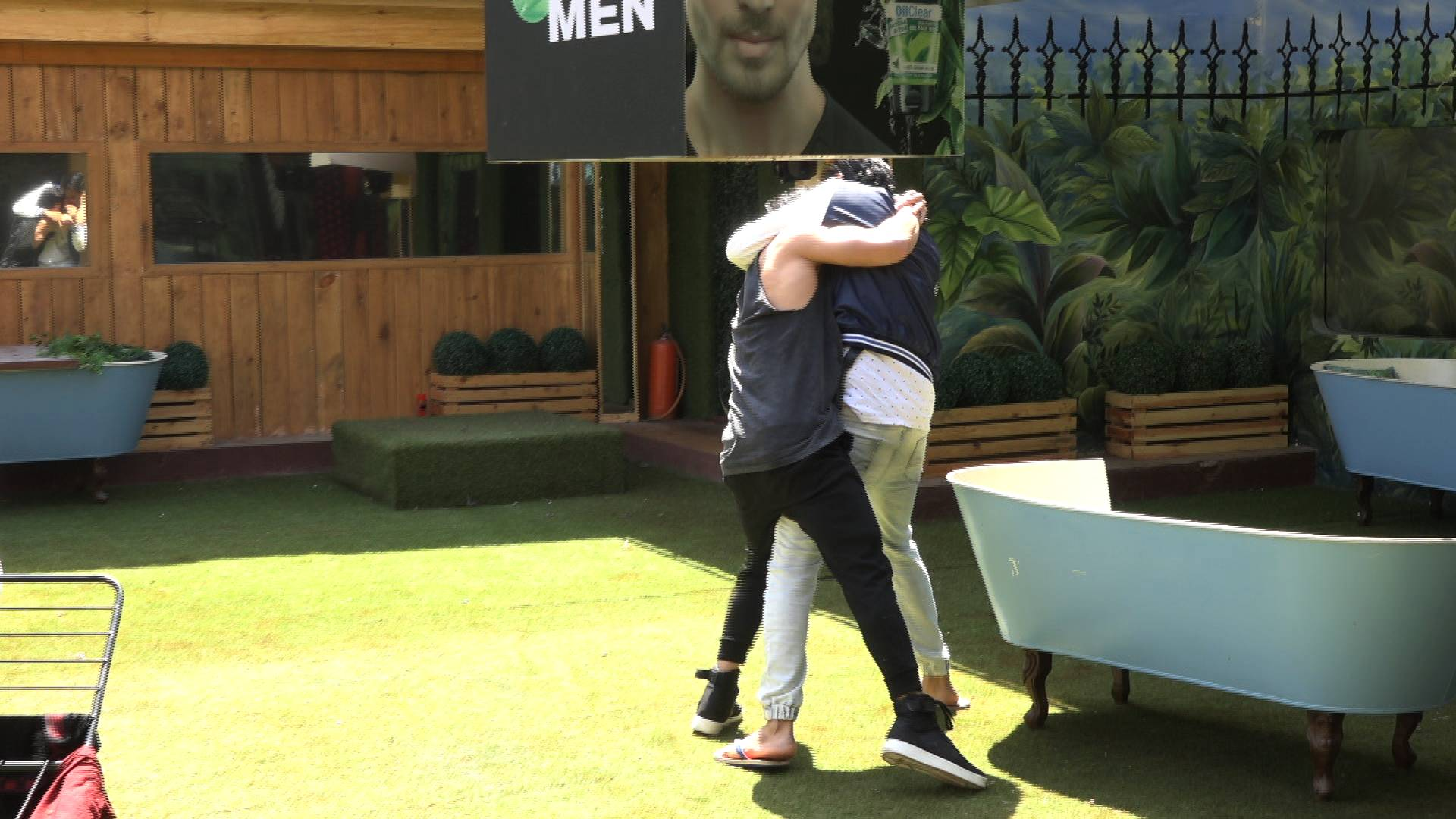 This is what happened when Priyank Sharma came back on Bigg Boss 11!