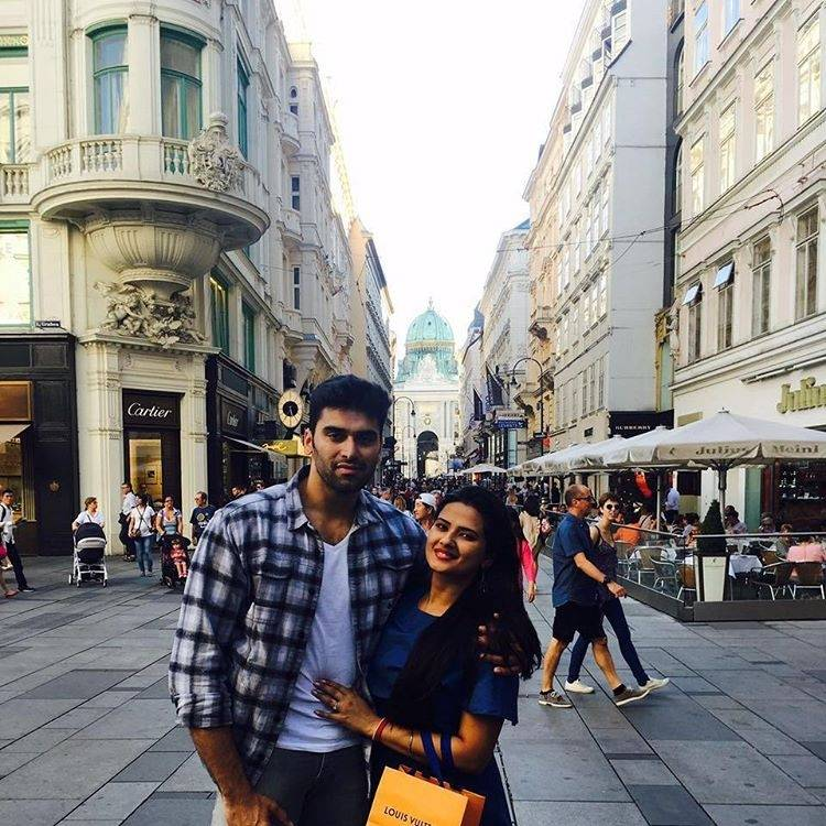 Travel Diaries : Your Favourite Stars Who Are Adventurers At Heart!