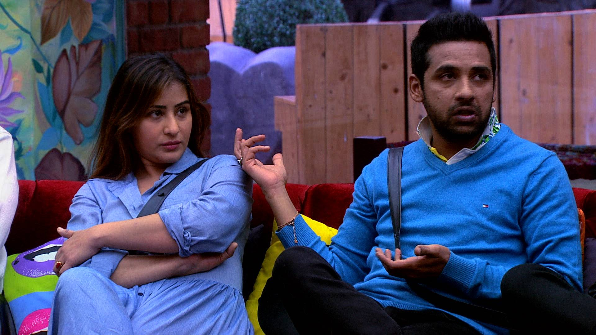 Here's some more that's coming up tonight on Bigg Boss 11!