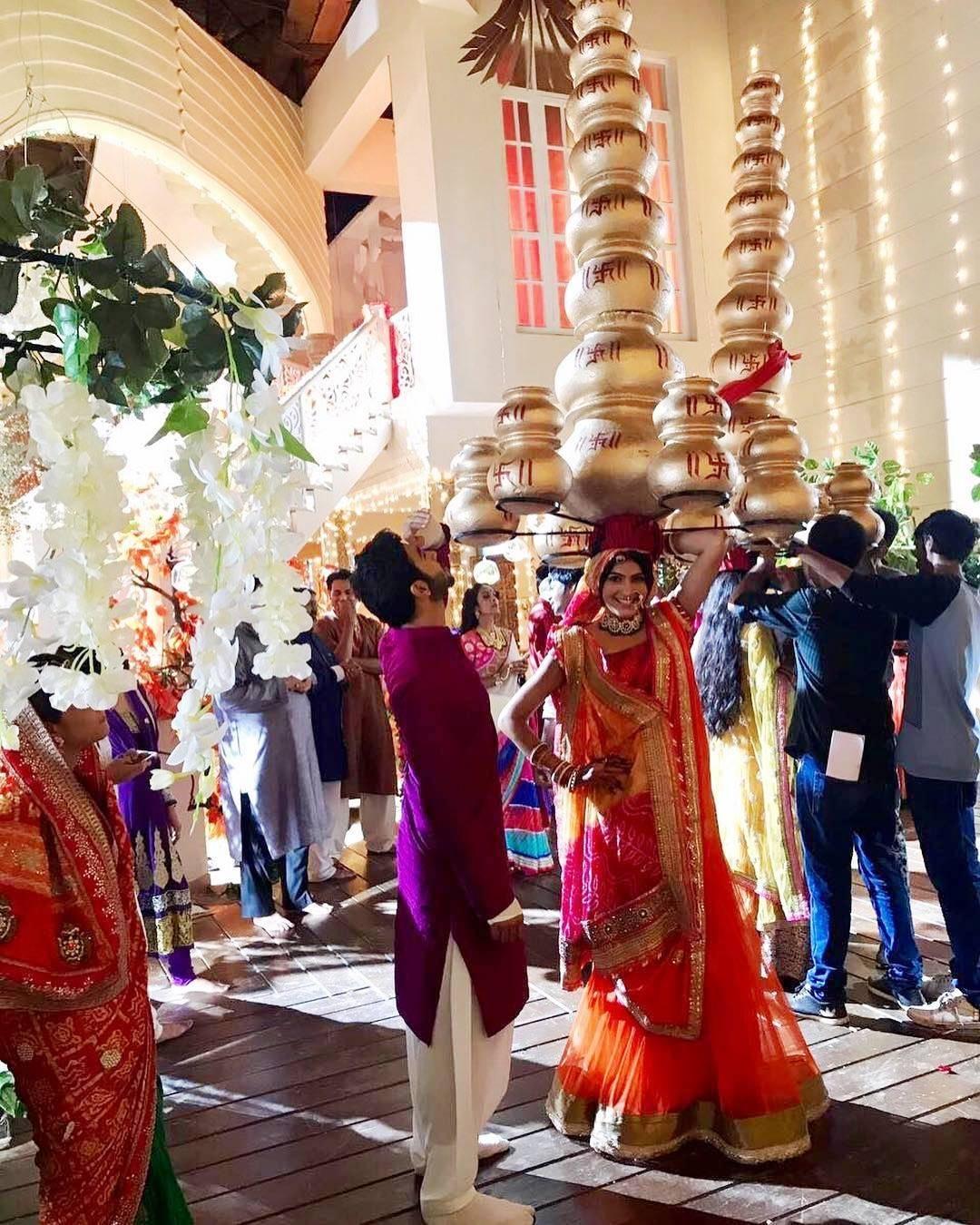 Click to see what happened recently on the sets of 'Ek Shringaar Swabhimaan'