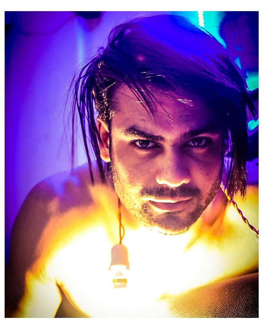 These pictures of Vishal Aditya Singh from 'Chandrakanta' are too hot to handle!