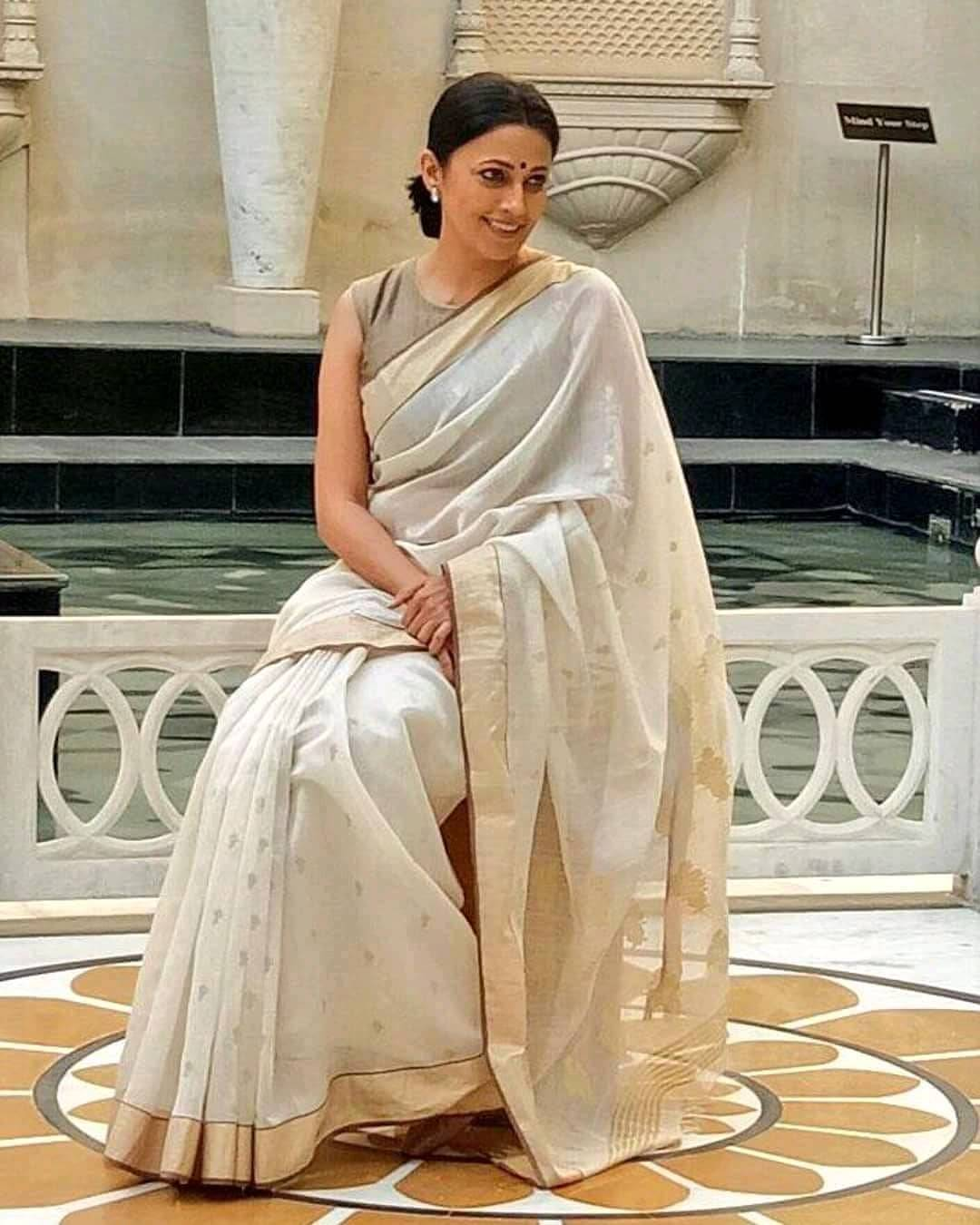 Meghna Malik aka 'Ammaji' is a truly classy and an elegant woman in her real life! Click for pictures.