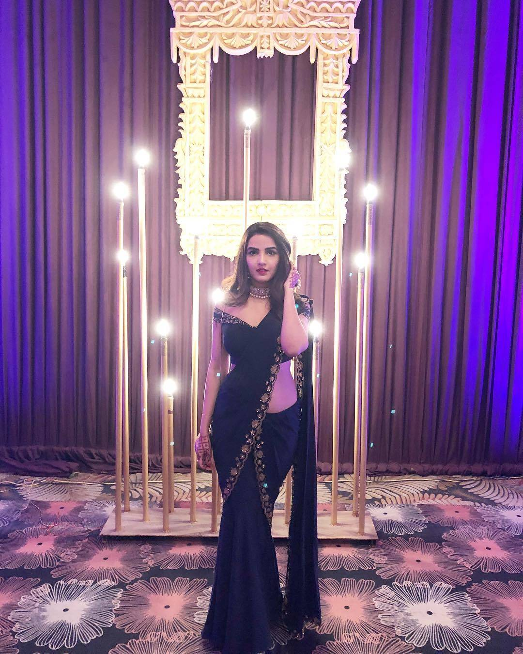 Jasmin Bhasin looks too gorgeous in her recent pictures!