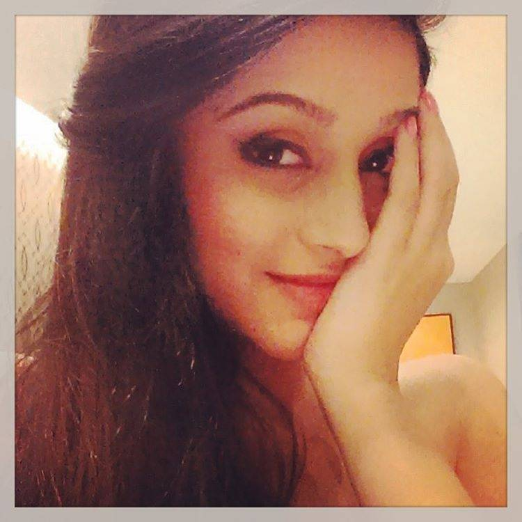 Must see photos of the pretty Saumya Seth.