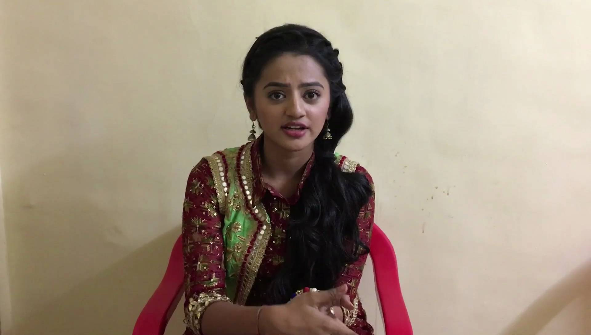 A must watch! Helly Shah talks about her show 'Devanshi'