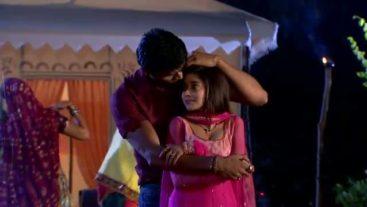 Akash accepts his feeling...