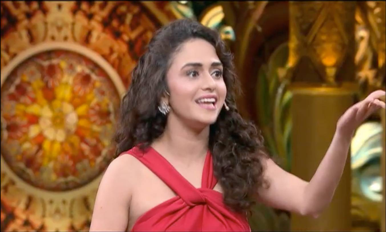 Amruta Khanvilkar's funny side only on CNB Taaza, Tonight 10PM