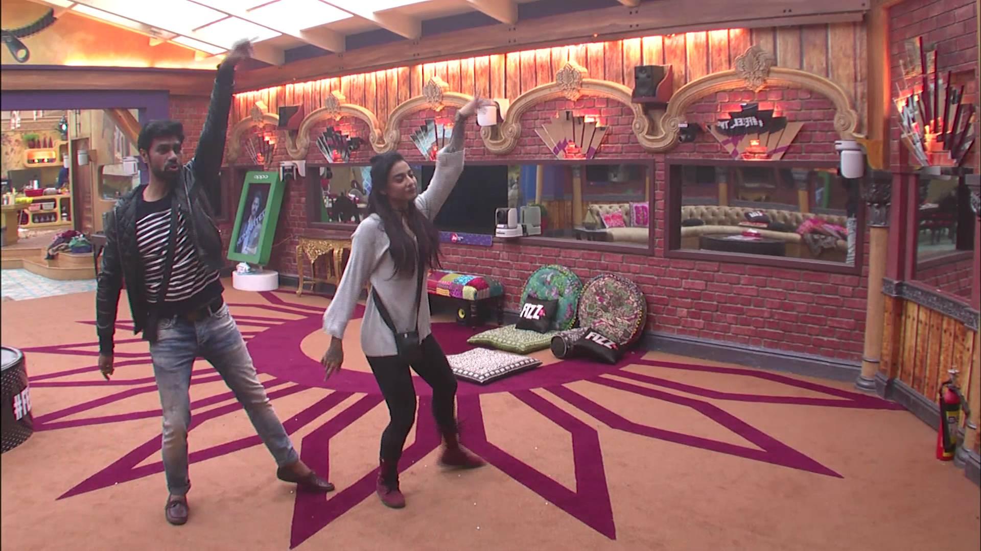 Andekha Action: Bani and Gaurav enjoy dancing on Bigg Boss 10!