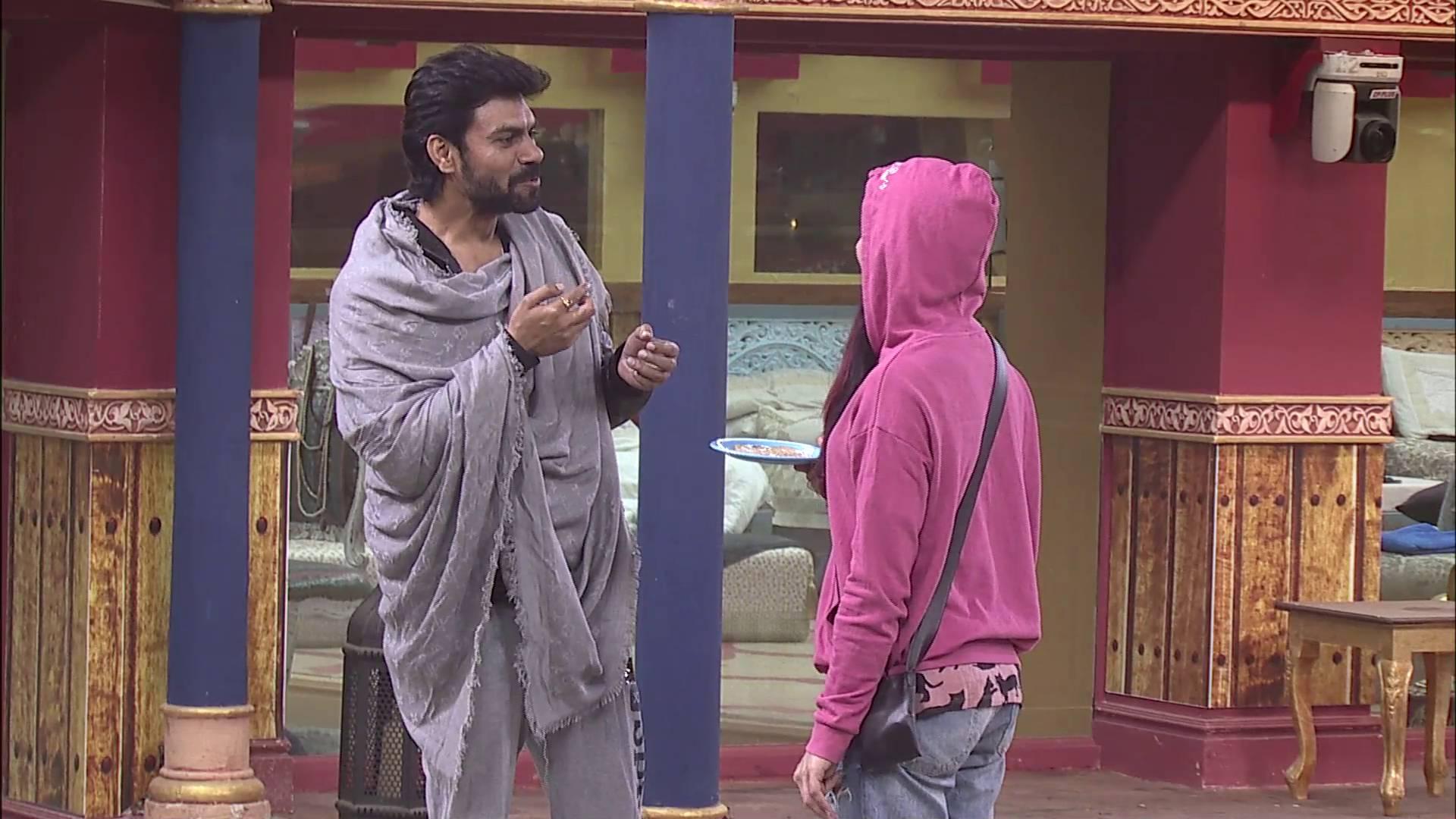 Andekha Action: Bani and Gaurav relish a 'Meetha Paratha' on Bigg Boss 10!