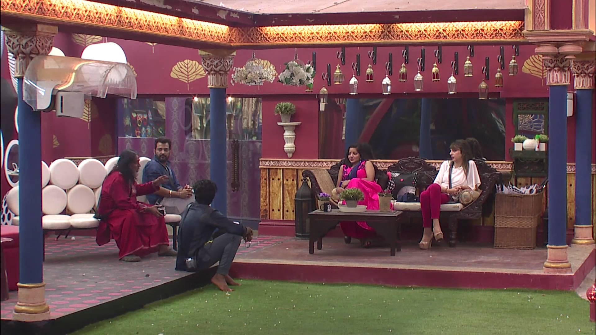 Andekha Action: Housemates talk against & in favor of Swami Om!