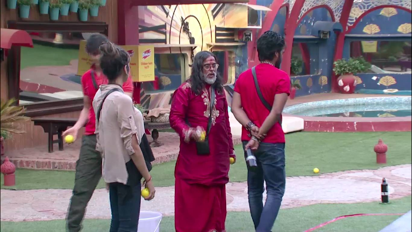 Andekha Action: Swami Om's strategy during captaincy task on Bigg Boss 10