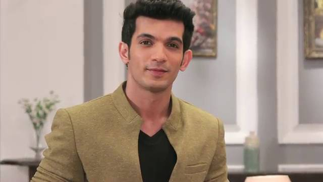 Arjun Bijlani Tells You How To Keep It Cool This Summer!