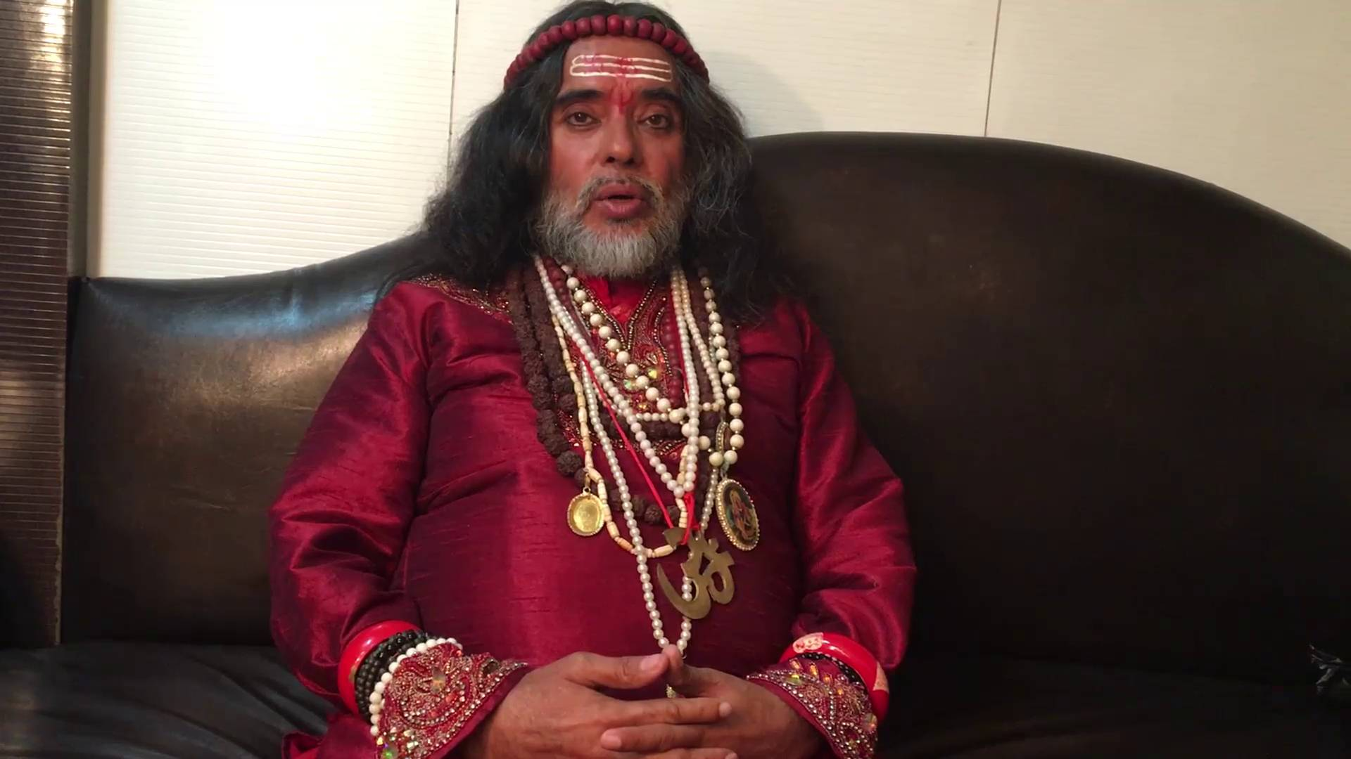 BB10 Contestant Om Swami shares about himself