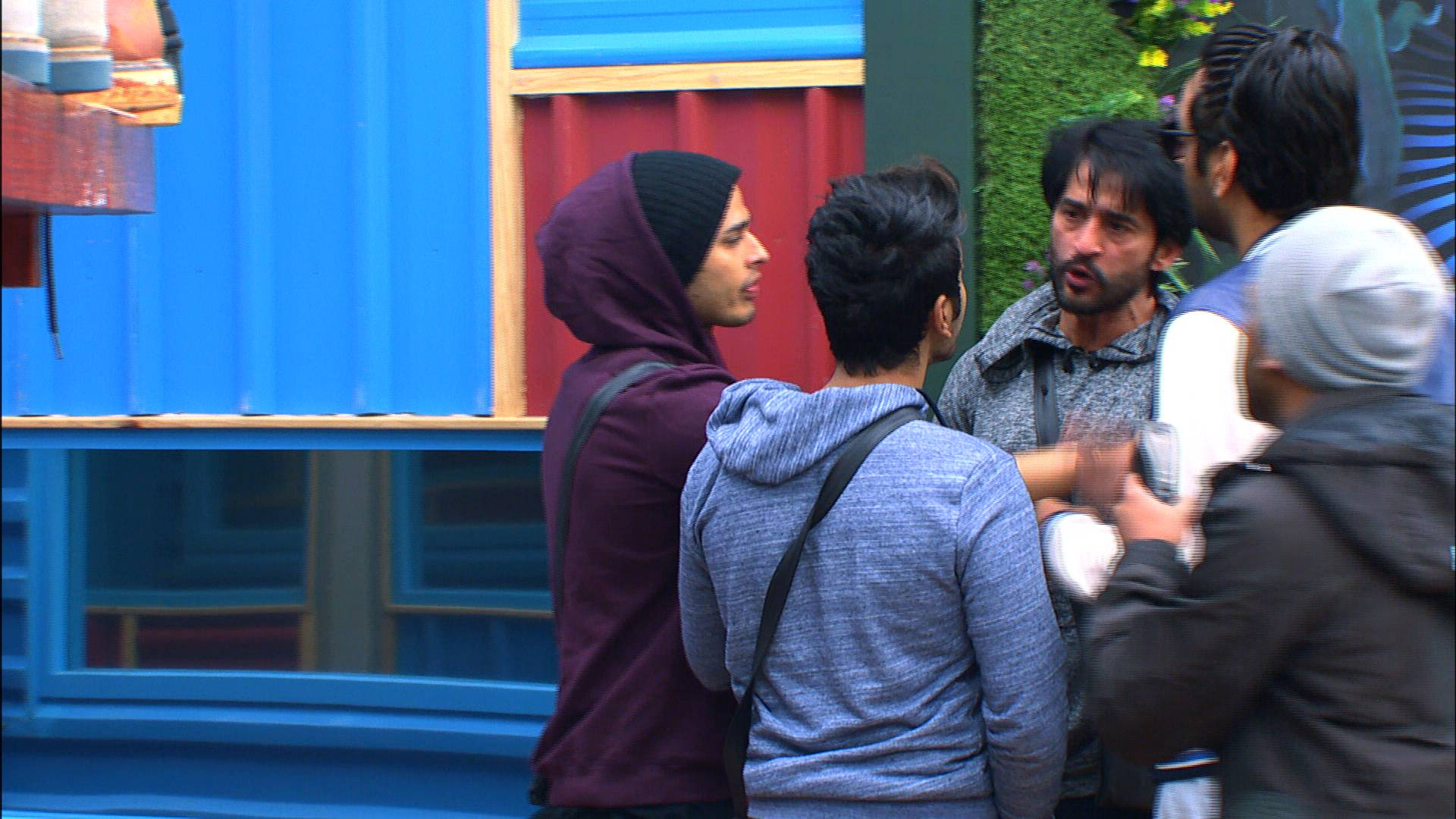 Bigg Boss 11: After 9 weeks, Hiten loses his composure and shouts back!