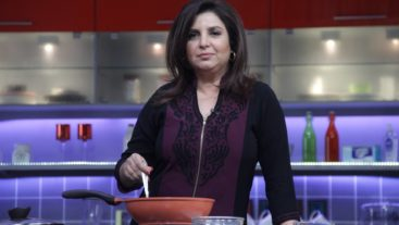 COLORS makes chefs out of Bollywood's A-listers as they share their secret recipes on Videocon presents Farah Ki Daawat