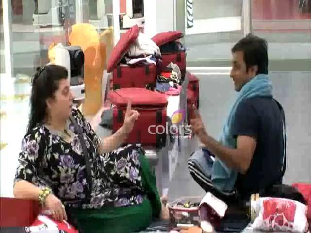 Delnaaz yells at desperate Rajeev #Day 12, Sneak Peek