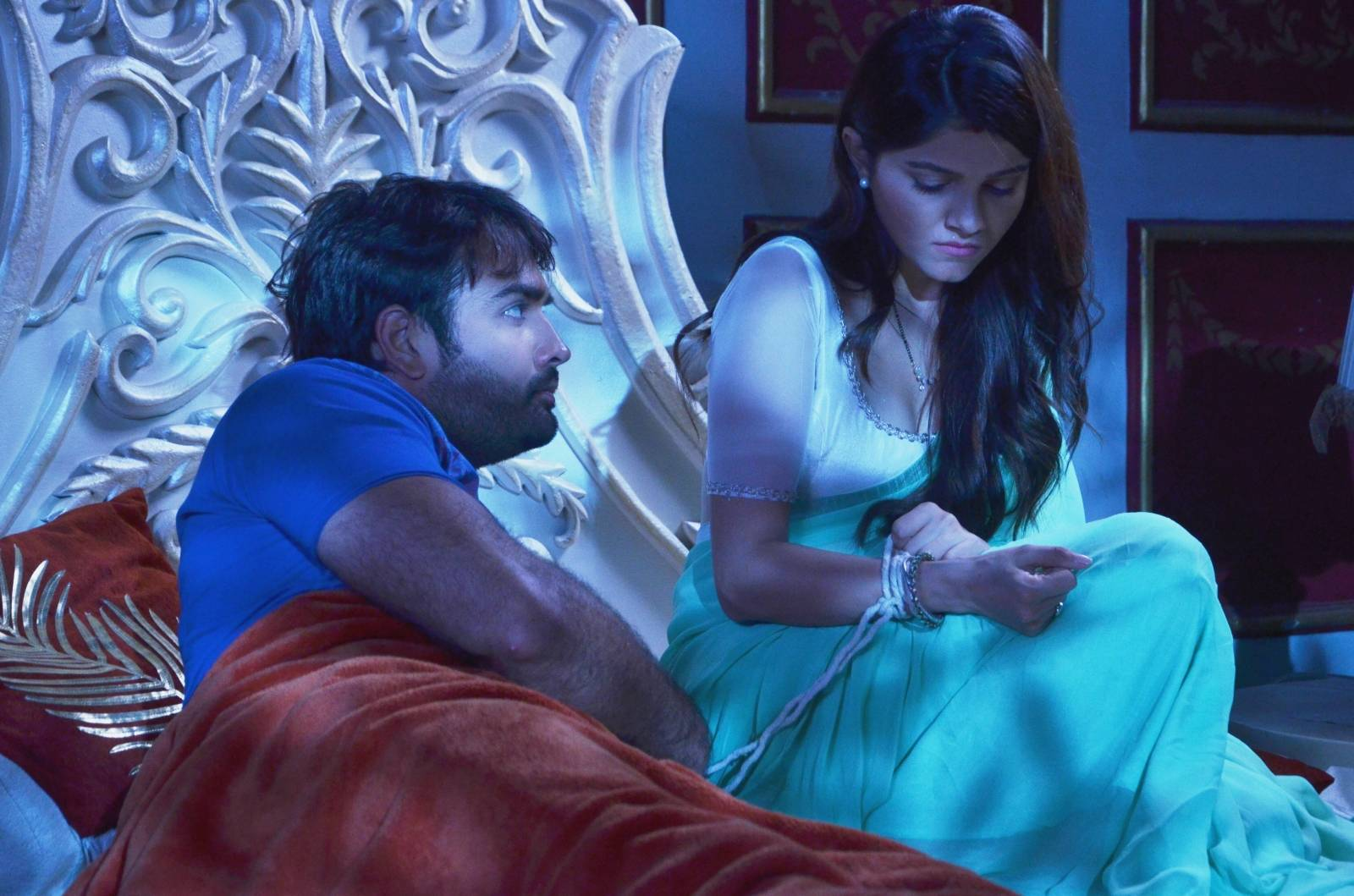We loved these moments between Harman & Saumya on 'Shakti' recently.