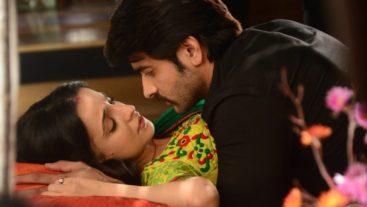 Epic romantic moment between Rudra and Paro #Rangrasiya