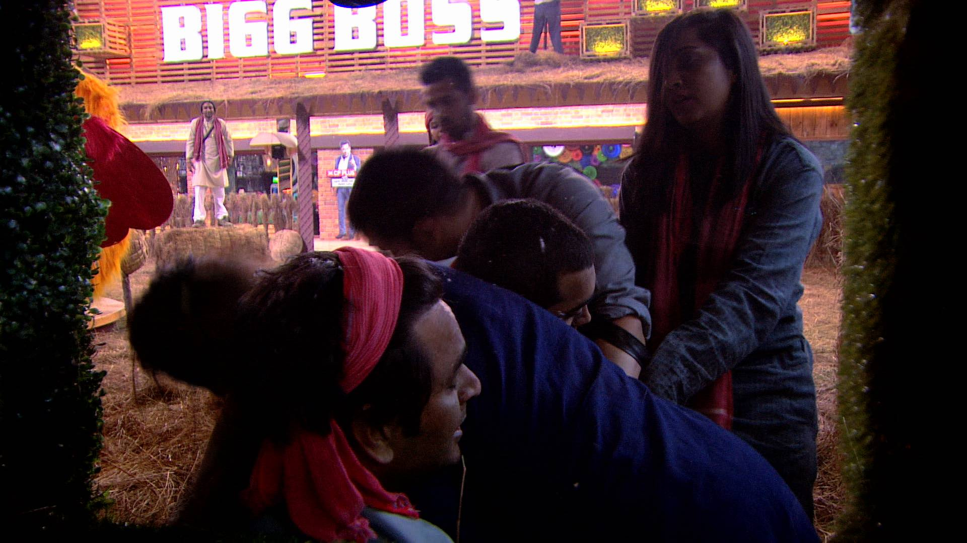 Fight for captaincy takes a dangerous turn on Bigg Boss 11!