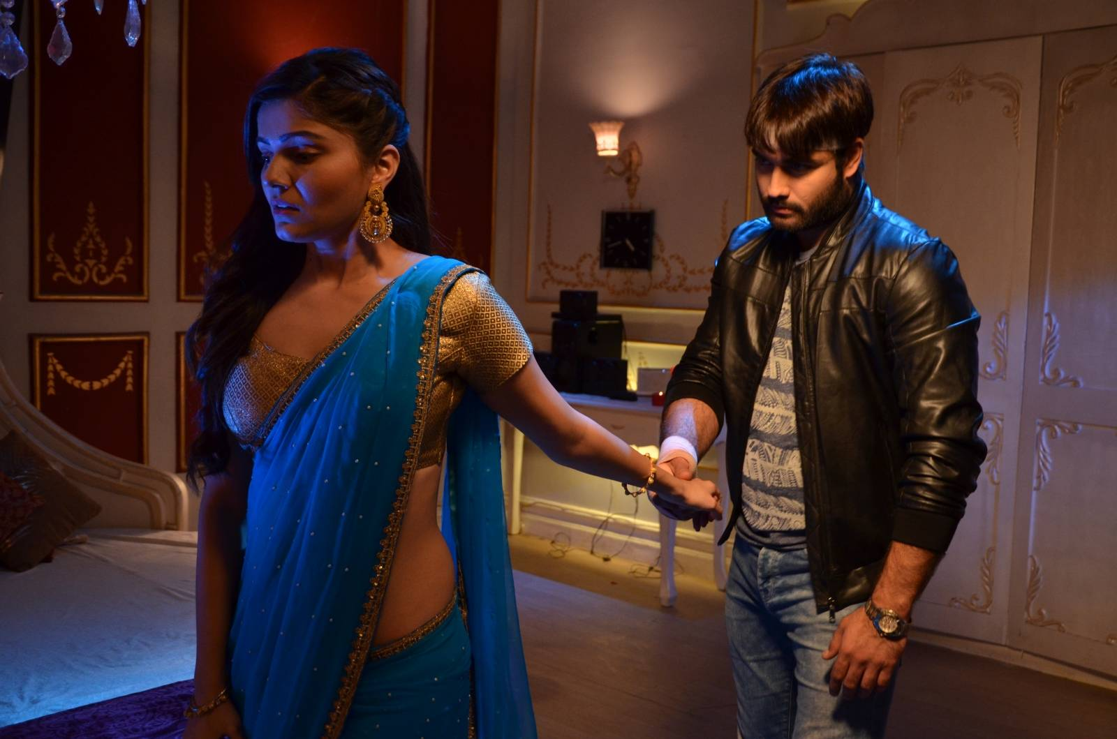 Harman and Saumya share some alone moments on Shakti!
