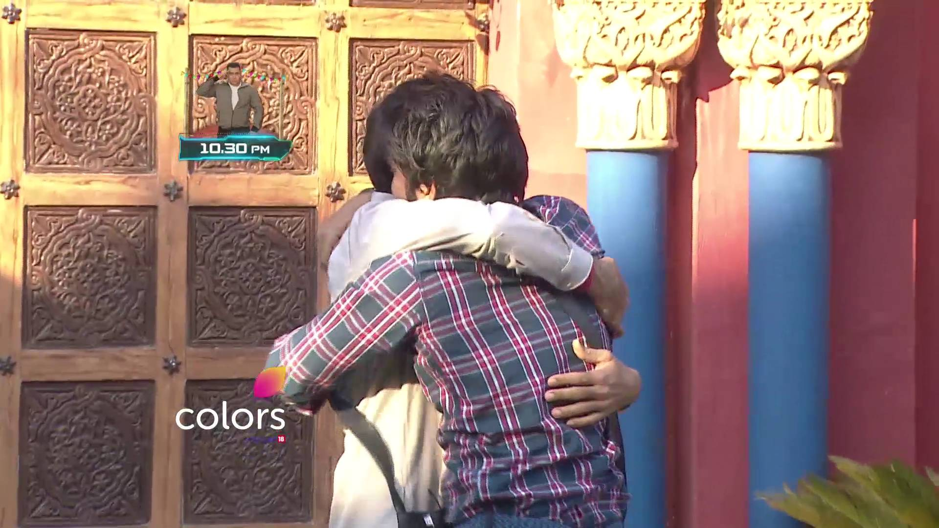 Heart melting moment of Manveer meeting his father  on Bigg Boss 10