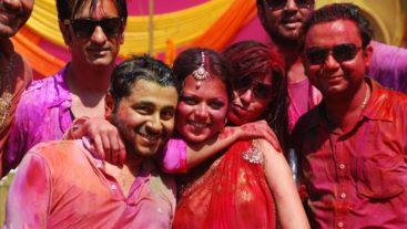 Holi Ka Jashan, Rang De Colors Ke Sang