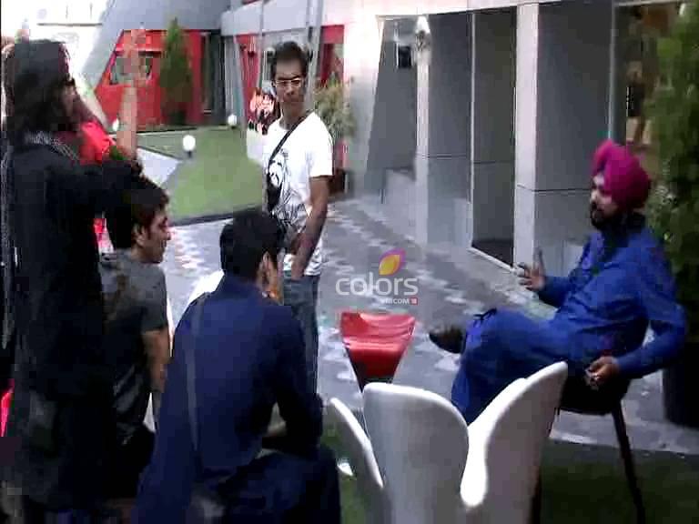 Housemates  join Sidhu's battle # Day 14, Sneak Peek