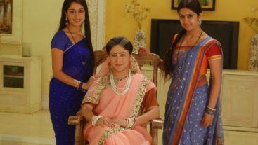 How can Simar convince Roli to come back?