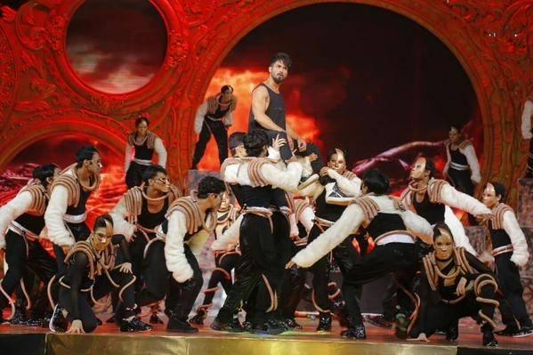 IIFA 2015 : Shahid Kapoor's Performance
