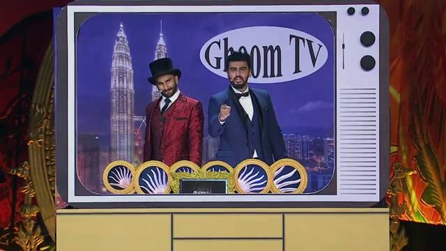 IIFA Moments: LOL MAX! Arjun and Ranveer's funny take on Bollywood news