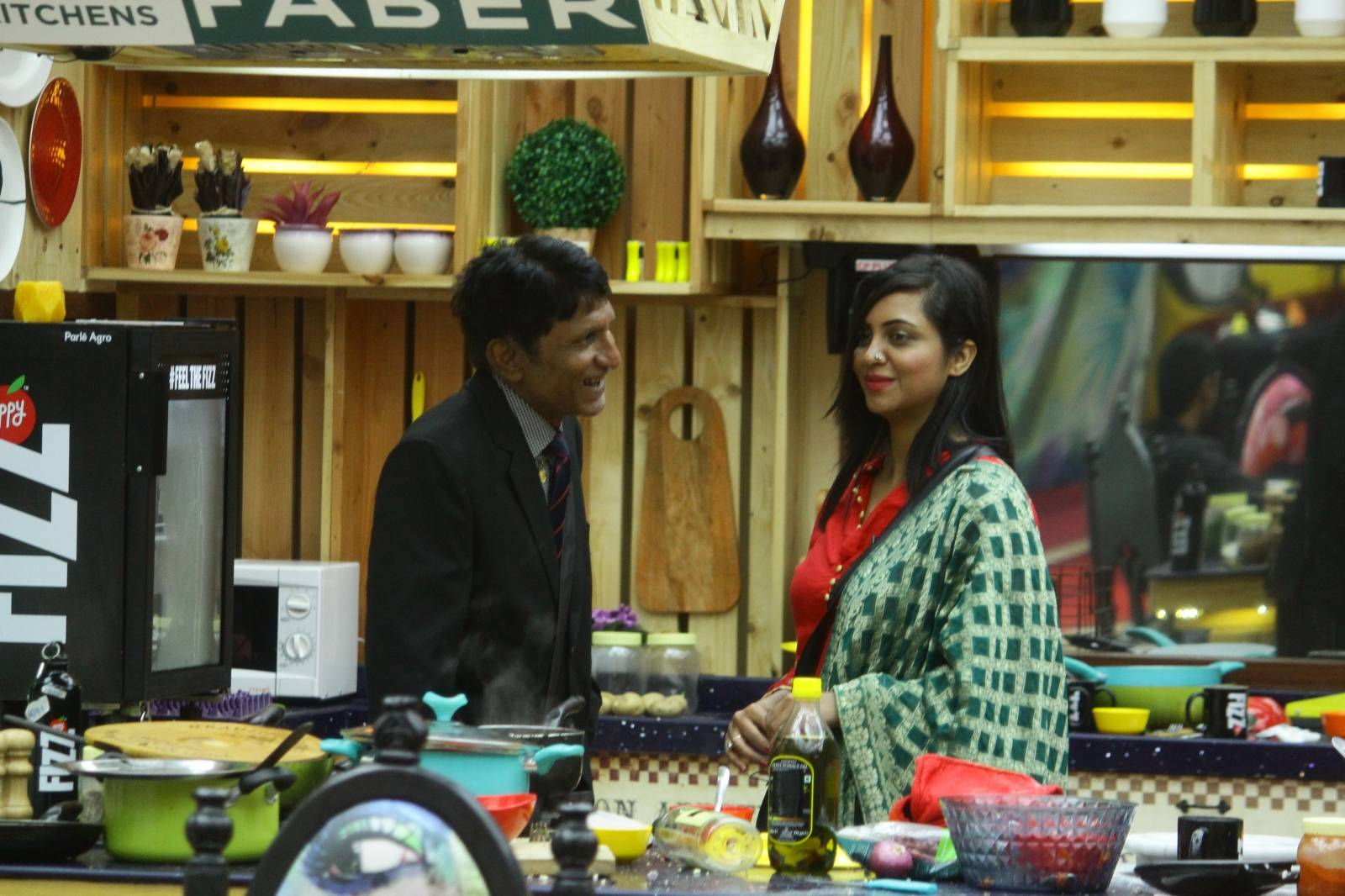You will surely be moved to see these moments on Bigg Boss 11 tonight!