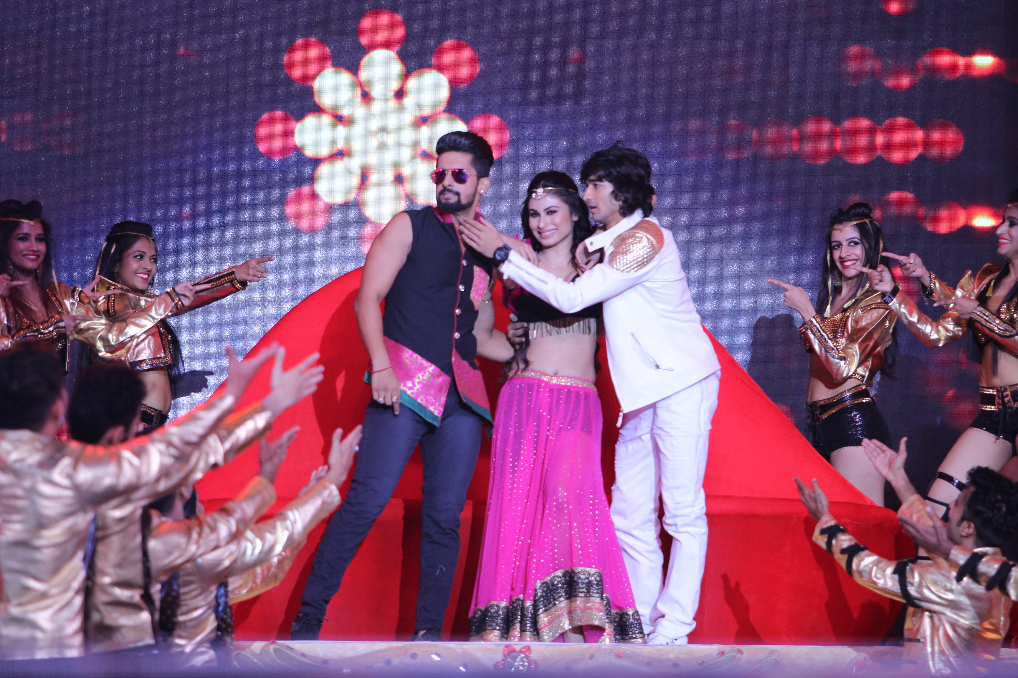 ITA Awards, 2017: When Mouni Roy, Shantanu Maheshwari & Ravi Dubey set the stage on fire!