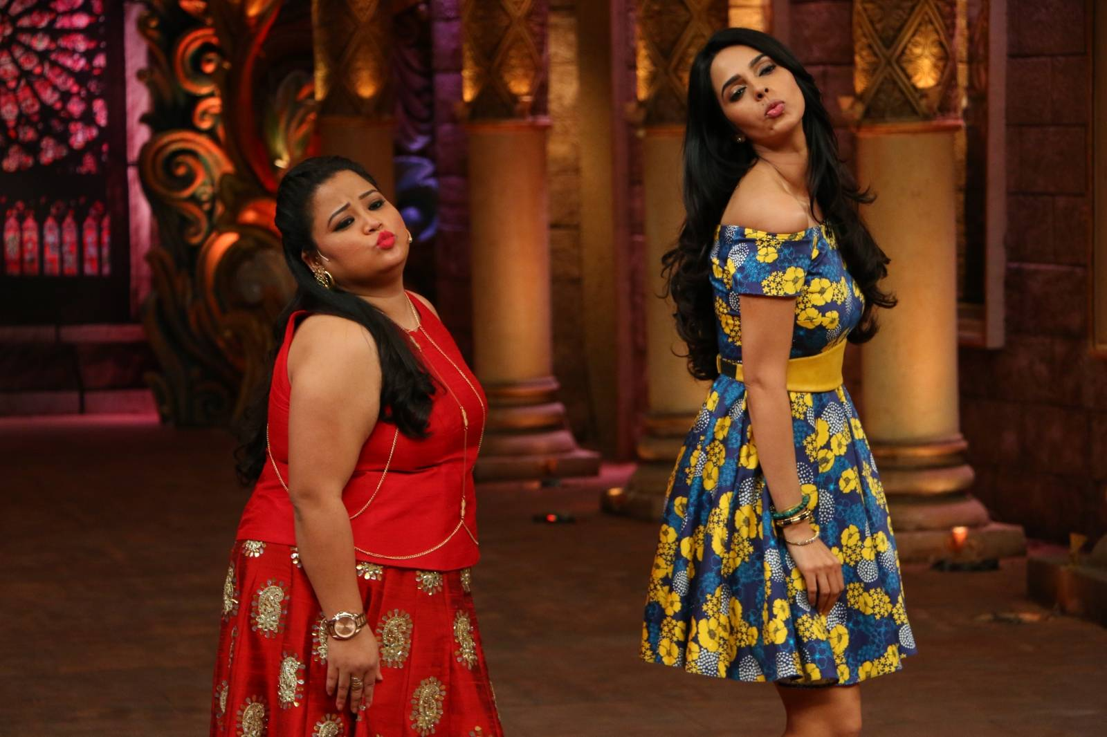 Comedy Night Bachao, Sneak Peek: Mallika Sherawat to send the temperature soaring high this Saturday!