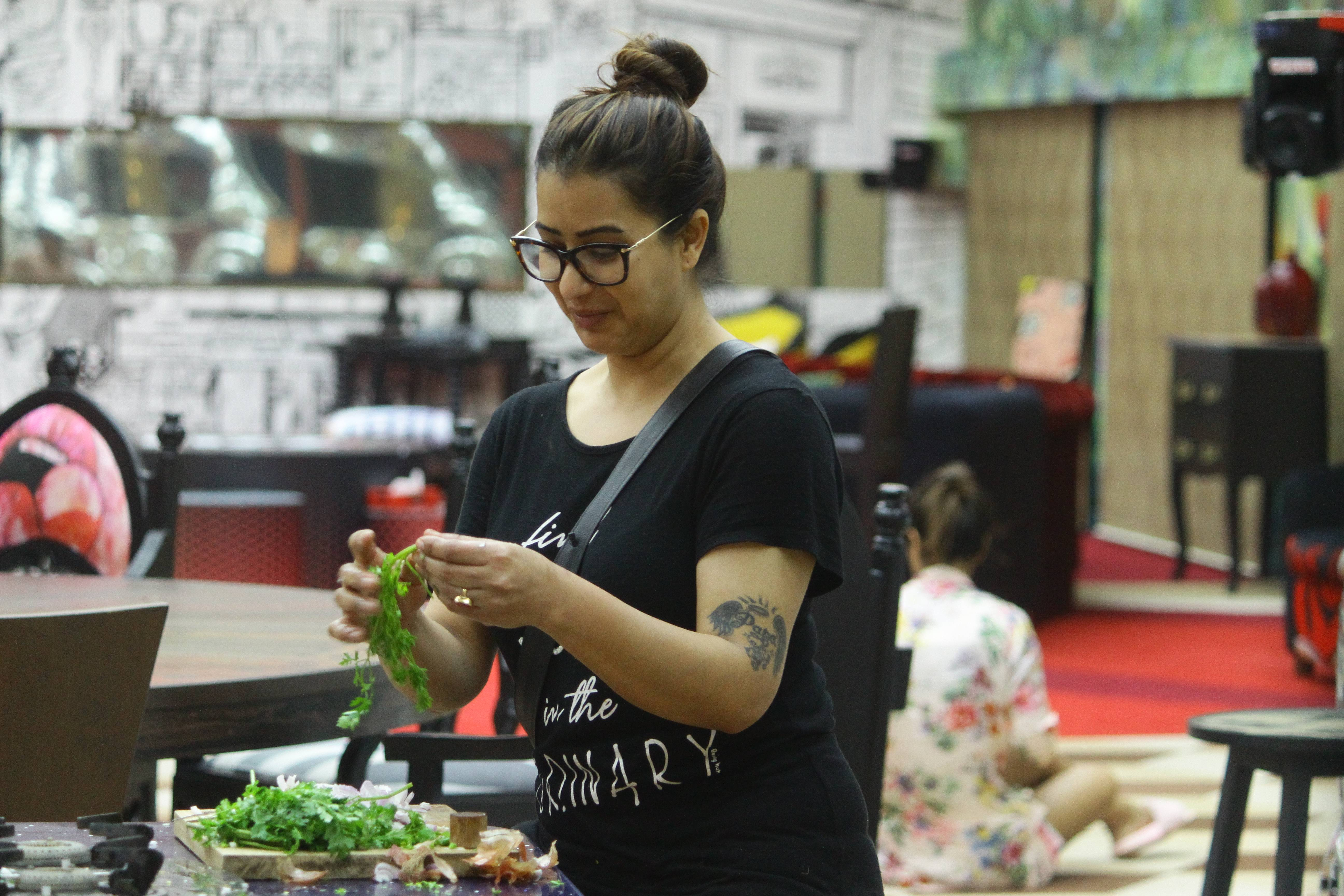 Bigg Boss 11: Shilpa Shinde is undoubtedly the 'Kitchen Queen' this season!