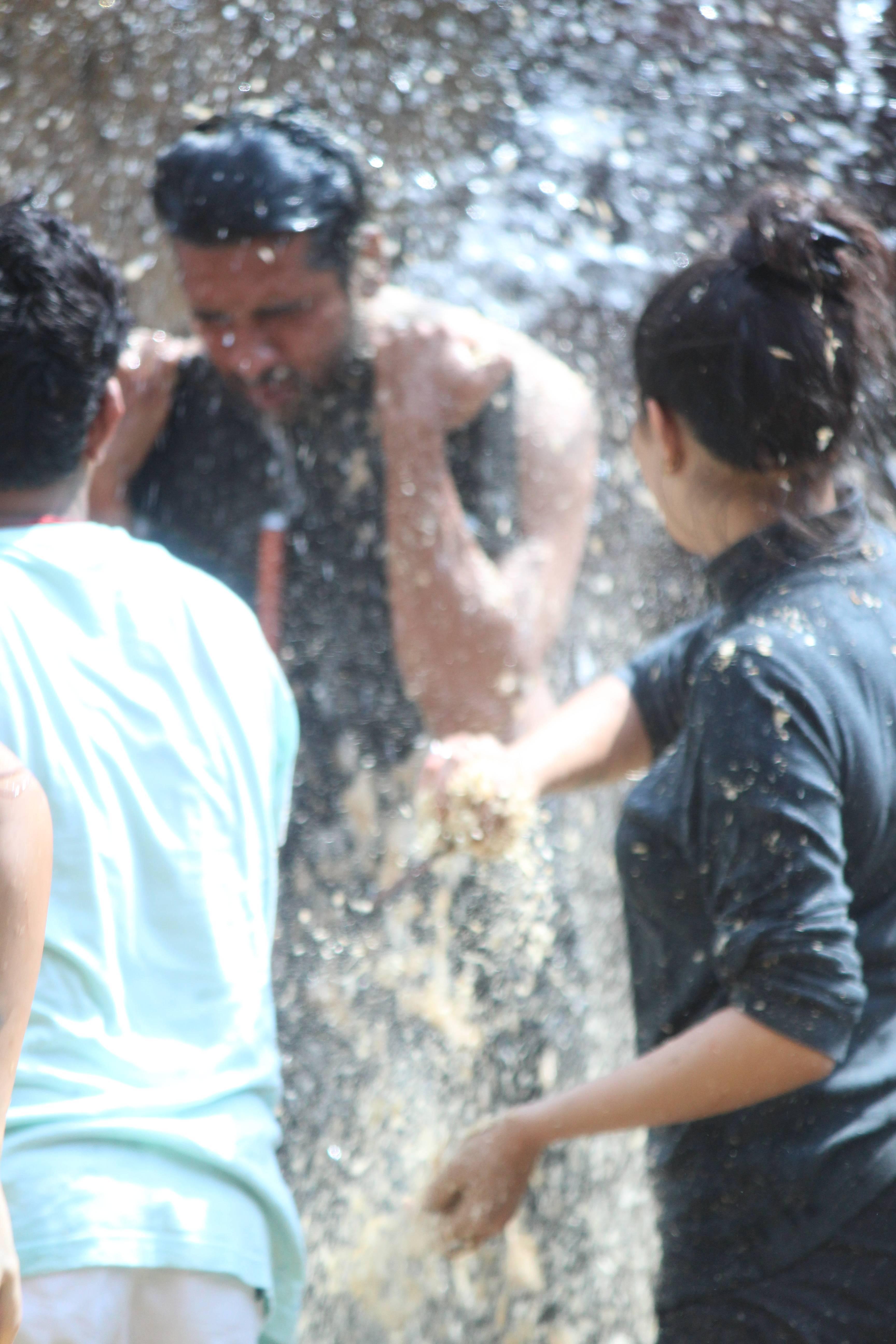 'Jamm ke badla' by Vikas's team on Bigg Boss 11 during luxury budget task!
