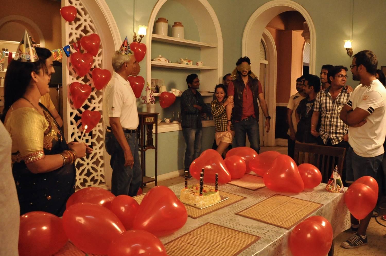 In Pics: Siddharth's birthday celebrations on set!