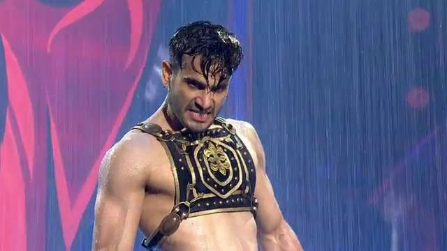 Karan Tacker's performance #JhalakSuperFinale