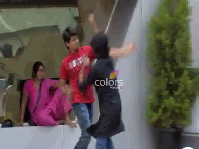 Kashif vs Aseem- Who will win? #Day 10, Sneak Peek