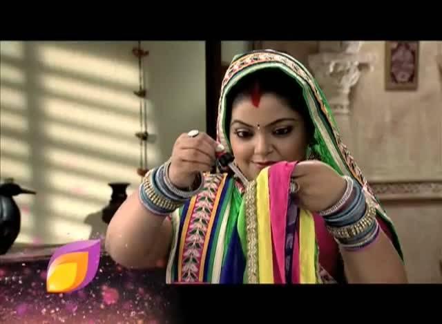 Ketki spoils Dhara's saree #Sanskaar-2