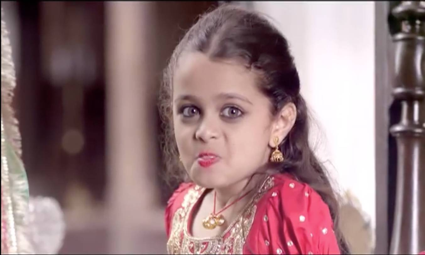 Little Devanshi's love for 'laddoos'!