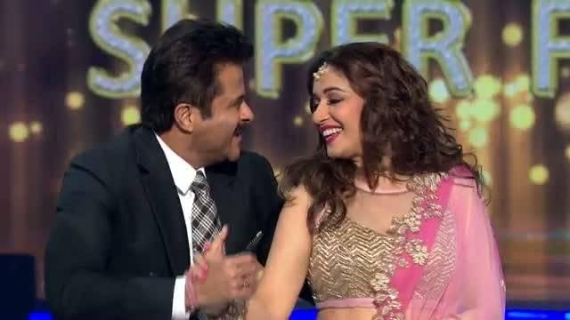 Madhuri and Anil Kapoor recreate Ek Do Teen: Jhalak Dikhhla Jaa Super finale, Seg 14