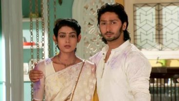 Megha to spend the night at Mohan's house!