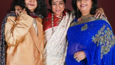 Music knows no borders: Asha Bhosle