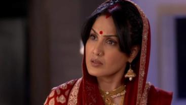 Preeto comes to Surbhi's rescue on 'Shakti'