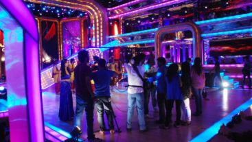 Pressure builds up in the Jhalak house