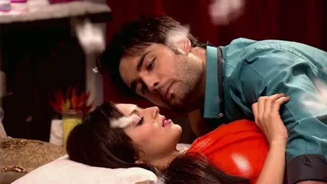 RK and Madhu's pillow fight: : Ep-460, Madhubala #Seg 3