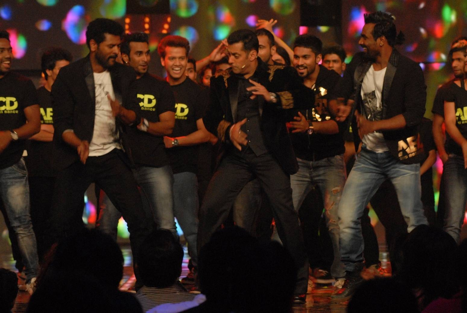 Salman grooves on Ratt Patti! #Day97