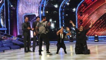 Shakti and Kiku recreate Sholay in Week 10! #Jhalak