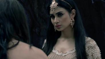Shivangi Finds A Way To Kill Sesha On 'Naagin 2'