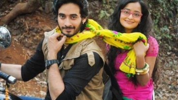Siddharth and Navika are Tom and Jerry on sets!